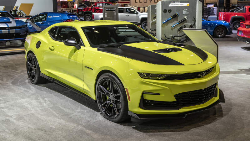 2019 Chevy Camaro shows off new color, SS fascia at SEMA