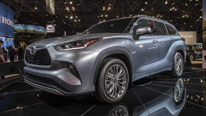 2020 Toyota Highlander Reviews | Features, fuel economy