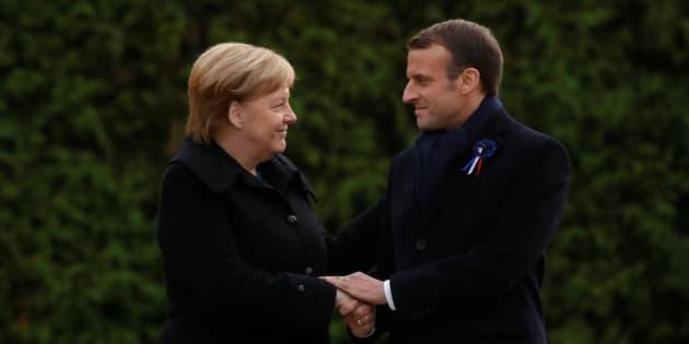 """Emmanuel Macron et Angela Merkel ont célébré la réconciliation franco-allemande """"au service de l'Europe et de la paix"""" dans la clairière deRethondes."""