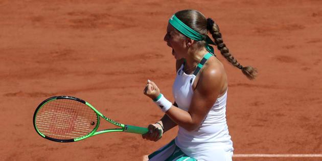 Jelena Ostapenko a aussi eu de la réussite face à Simona Halep, la preuve avec ce point complètement fou