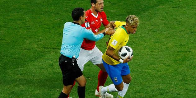 Árbitro mexicano foi personagem negativo da estreia da Seleção Brasileira na Copa da Rússia.