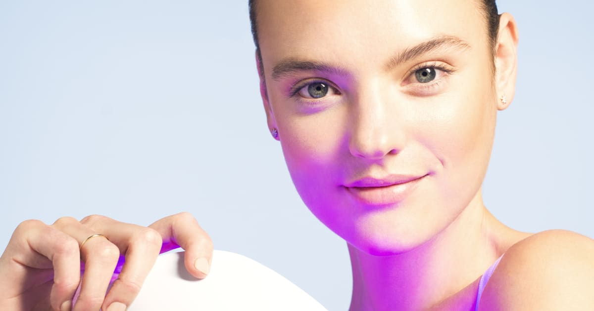 The Neutrogena Acne-Clearing Electronic Mask Is Finally Here
