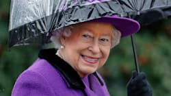 Queen Elizabeth Always Carries A Matching Umbrella On Her