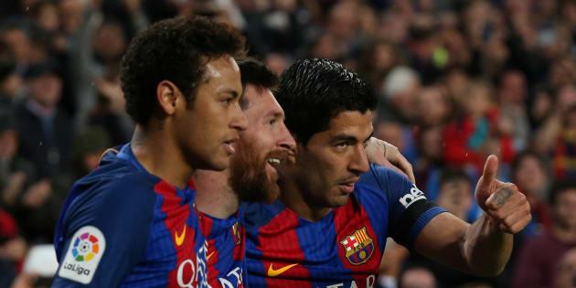 """Neymar au PSG? Il a déclaré """"je reste"""" à Messi et Suarez, selon la presse catalane"""