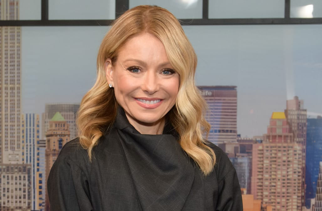 Kelly Ripa's go-to sunscreen has over 900 positive reviews on Amazon