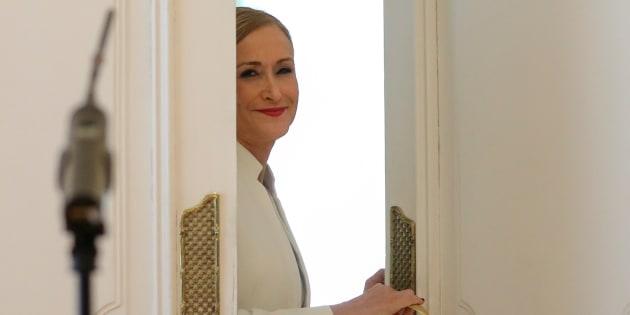 La expresidenta de la Comunidad de Madrid, Cristina Cifuentes, tras anunciar su dimisión.