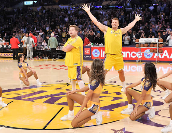 Showtime! Gronk takes over halftime in L.A.