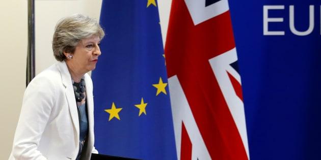 Brexit: Ces exigences de l'Union européenne qui fragilisent Theresa May et éloignent un accord