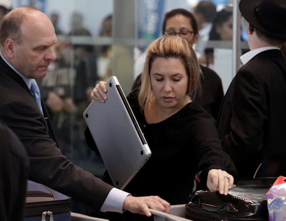 US might ban laptops on all international flights