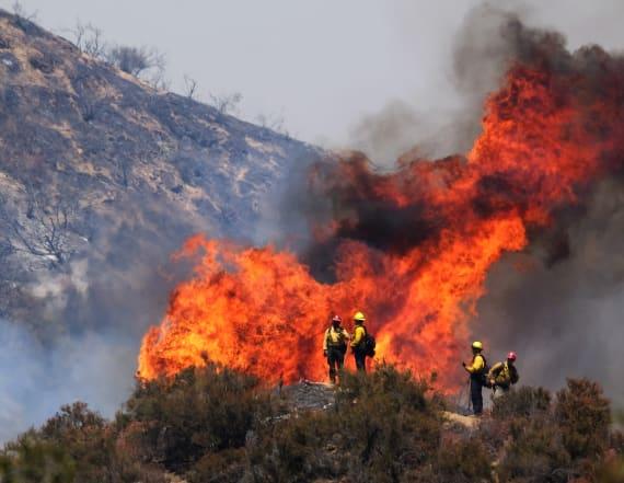 Officials: Car malfunction sparked Calif. blaze