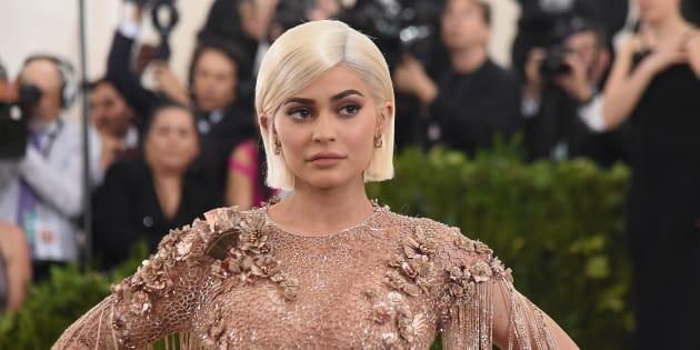 Un tweet della sorellastra Kardashian affonda Snapchat a Wal