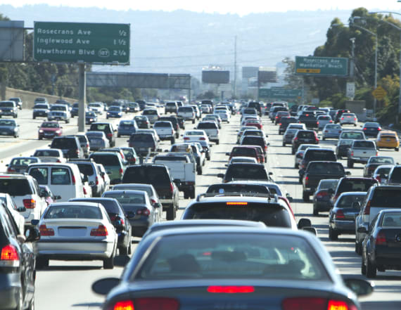 Trump to clash with California over car pollution