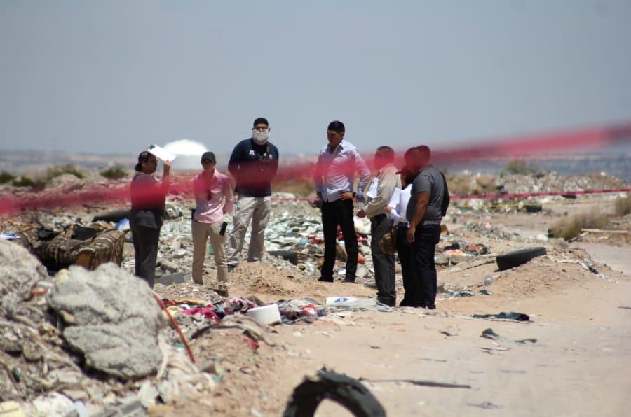 Un día antes de la llegada a Ciudad Juárez del virtual presidente electo, Andrés Manuel López Obrador, otro feminicidio fue reportado cerca de la colonia Urbi Villas los Cedros.