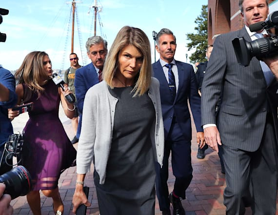 Lori Loughlin puts house up for sale before trial