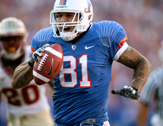 Urban Meyer told scout: Don't touch Aaron Hernandez