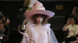Ce chapeau vu à la Fashion Week ressemble beaucoup au Choixpeau magique dans