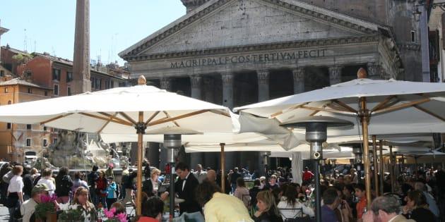 La strategia del decoro al centro di Roma ignora il tessuto