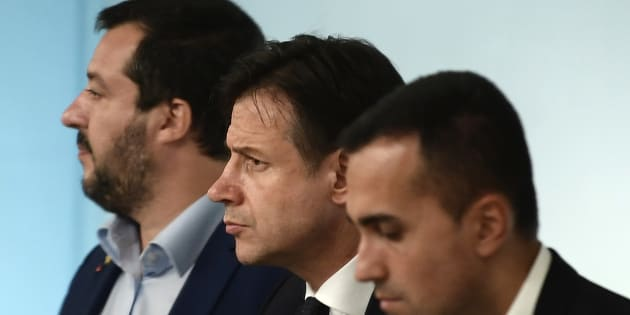 (From L) Italy's Deputy Prime Minister and Interior Minister, Matteo Salvini, Italy's Prime Minister, Giuseppe Conte and Italy's Deputy Prime Minister and Minister of Economic Development, Labour and Social Policies, Luigi Di Maio attend a press conference following a Cabinet meeting on the country's draft budget, prior to its submission deadline to the European Commission on October 15, 2018 at Palazzo Chigi in Rome. (Photo by Filippo MONTEFORTE / AFP)        (Photo credit should read FILIPPO MONTEFORTE/AFP/Getty Images)