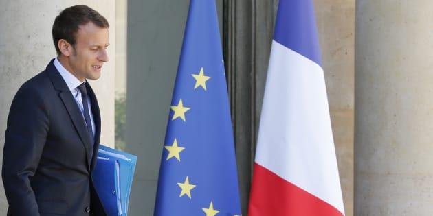 Emmanuel Macron a finalement trouvé le moyen d'imposer le drapeau européen à l'Assemblée