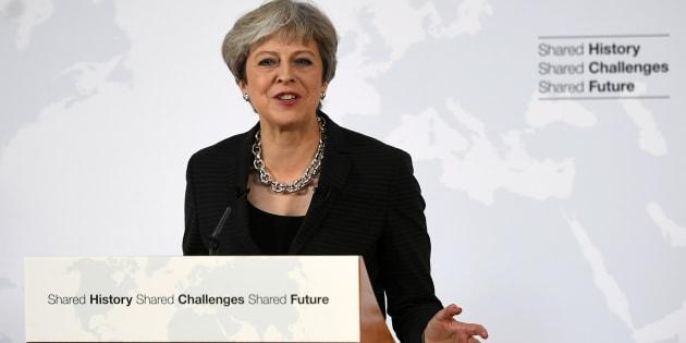 Theresa May propose une période de transition de deux ans après le Brexit, jusqu'en 2021