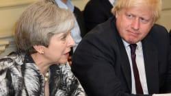Doppia mossa in arrivo per Theresa May: un rimpasto (per far fuori Boris Johnson) e accantonamenti per la