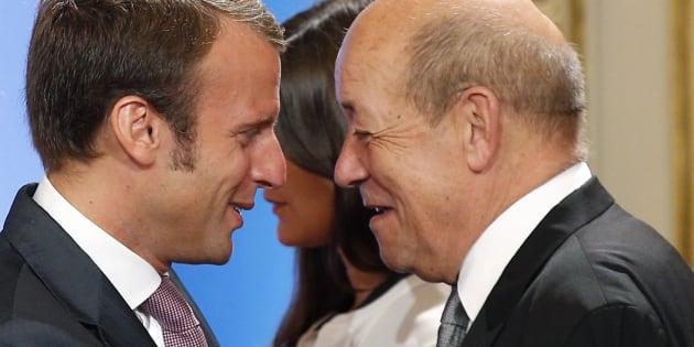 Jean-Yves Le Drian rallie Emmanuel Macron.