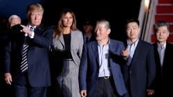 Trump recibe a los 3 estadounidenses liberados por Corea del