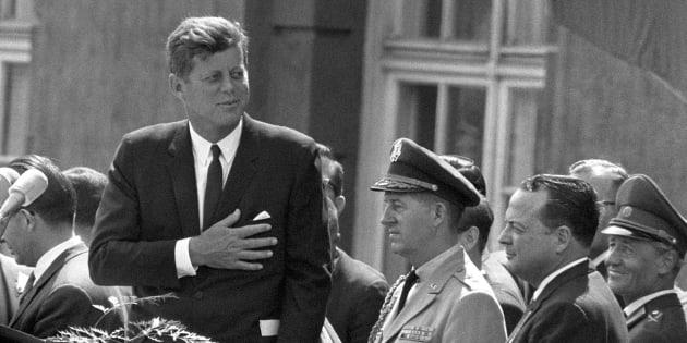 Trump se félicite de dévoiler des documents sur l'assassinat de Kennedy (mais n'y est pour rien).