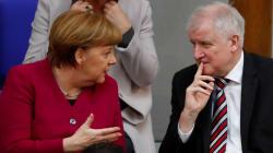 Merkel rejette l'ultimatum de son ministre de l'Intérieur sur