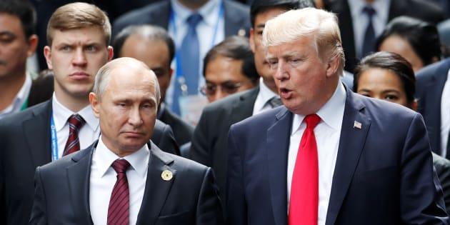 Donald Trump et Vladimir Poutine lors d'un sommet à Danang, au Vietnam, en novembre 2017.