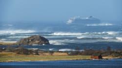 Le Viking Sky, paquebot de croisière norvégien, échappe au