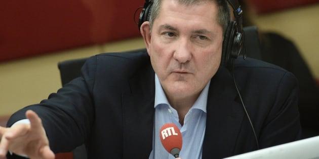 On sait pourquoi Yves Calvi n'a pas pu présenter la matinale de RTL