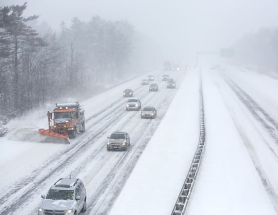Snow showers, cold air to hit northeastern U.S.