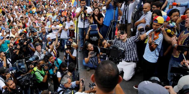 """Wuilly Arteaga, le violoniste opposant emblématique au Venezuela aurait """"perdu l'audition de l'oreille droite"""" lors de sa violente détention"""
