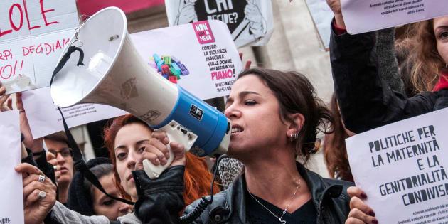 Le donne contro la politica dell'uomo solo al comando