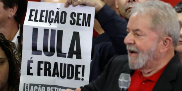 Lula se defende de condenação em primeira instância.