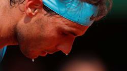 Rafael Nadal a perdu son premier set à Roland-Garros depuis 2015, le match reporté à cause de la