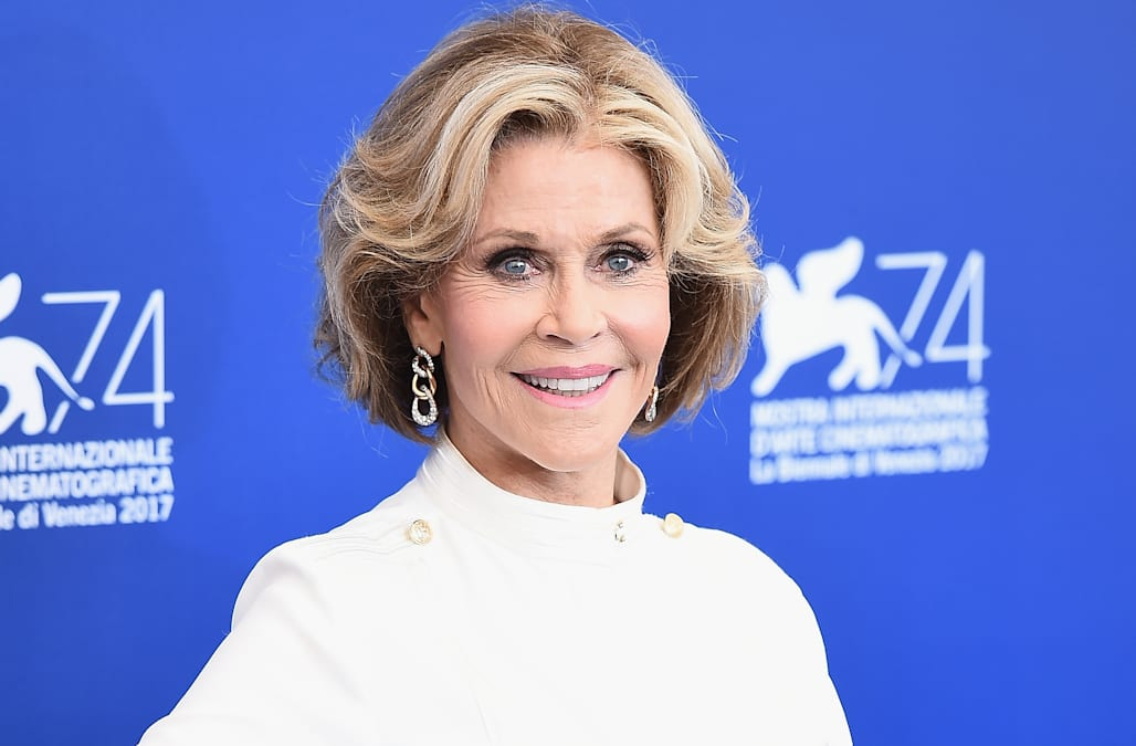 Jane Fonda Was Unrecognizable At The 2017 Emmys Aol Entertainment