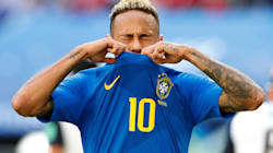 Neymar exagera no teatro, e VAR anula pênalti a favor do