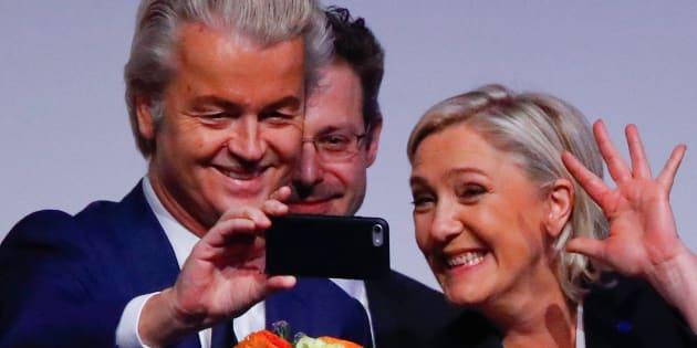 Marine Le Pen et le député néerlandais Geert Widers ensemble à la tribune en janvier 2017.