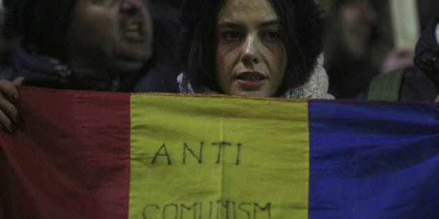 Les manifestants roumains nous envoient une belle leçon d'optimisme. REUTERS/Stoyan Nenov