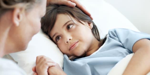 Un enfant malade. Illustration.
