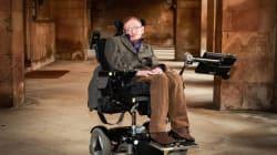 Cómo logró Stephen Hawking vivir décadas con una enfermedad que mata en pocos