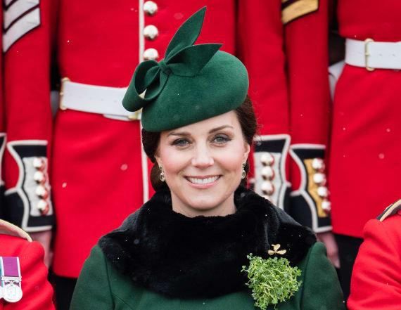 Pregnant Kate Middleton stuns in green