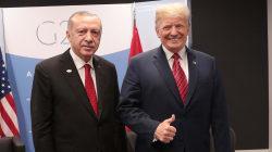 Trump amenaza a Turquía con arrasarla económicamente si ataca a los