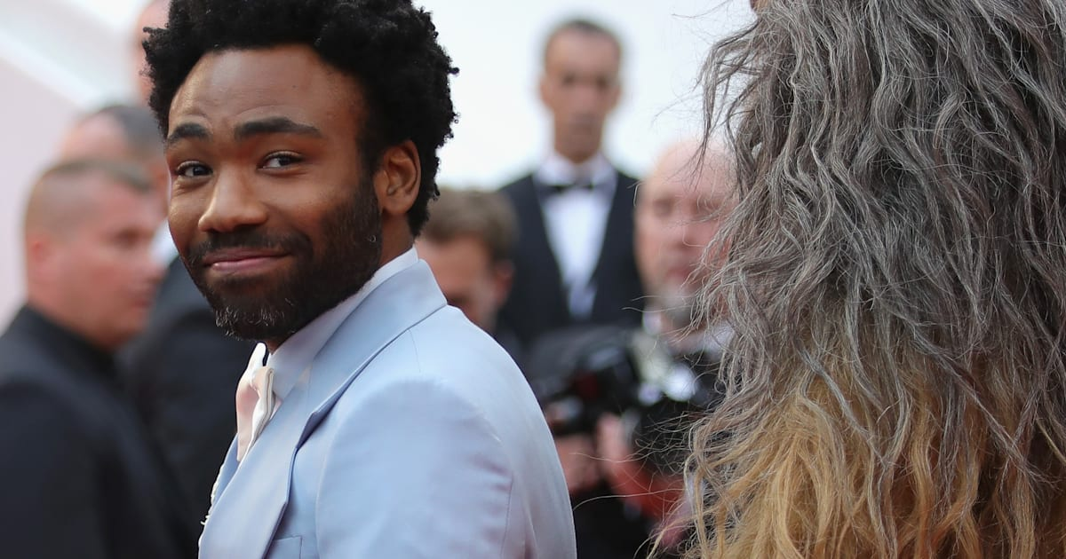 cannes 2018 donald glover nous change du traditionnel smoking noir. Black Bedroom Furniture Sets. Home Design Ideas