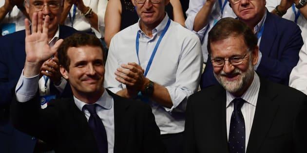 Pablo Casado succède à Mariano Rajoy (ici le 21 juillet à Madrid) à la tête du Parti populaire espagnol, un virage à droite.