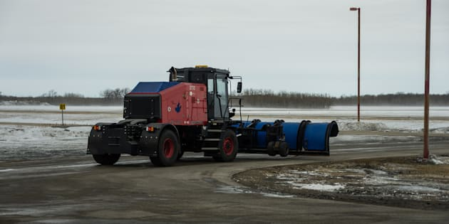 Winnipeg Airport Unveils Self-Driving Snowplow Named Otto