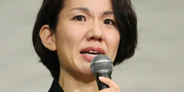一連の騒動について記者会見する豊田真由子衆議院議員=18日、埼玉県新座市