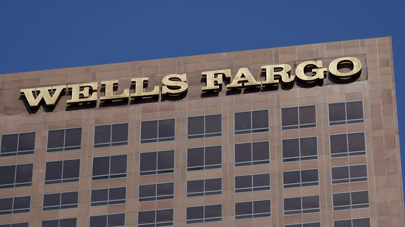 wells fargo will pay 1 billion to settle consumer fraud case autoblog